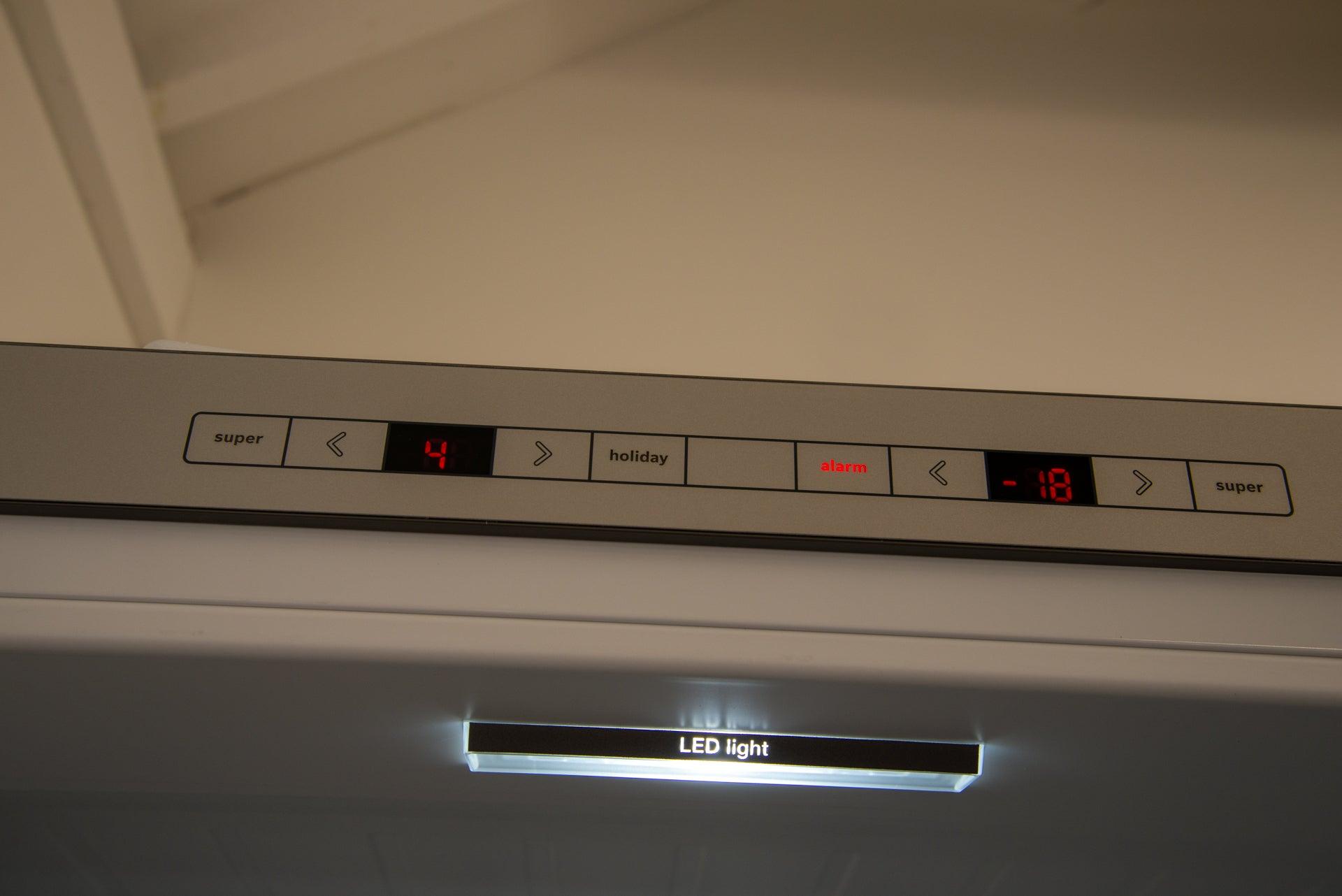 Bosch Serie 6 KGE49AICAG kontroller