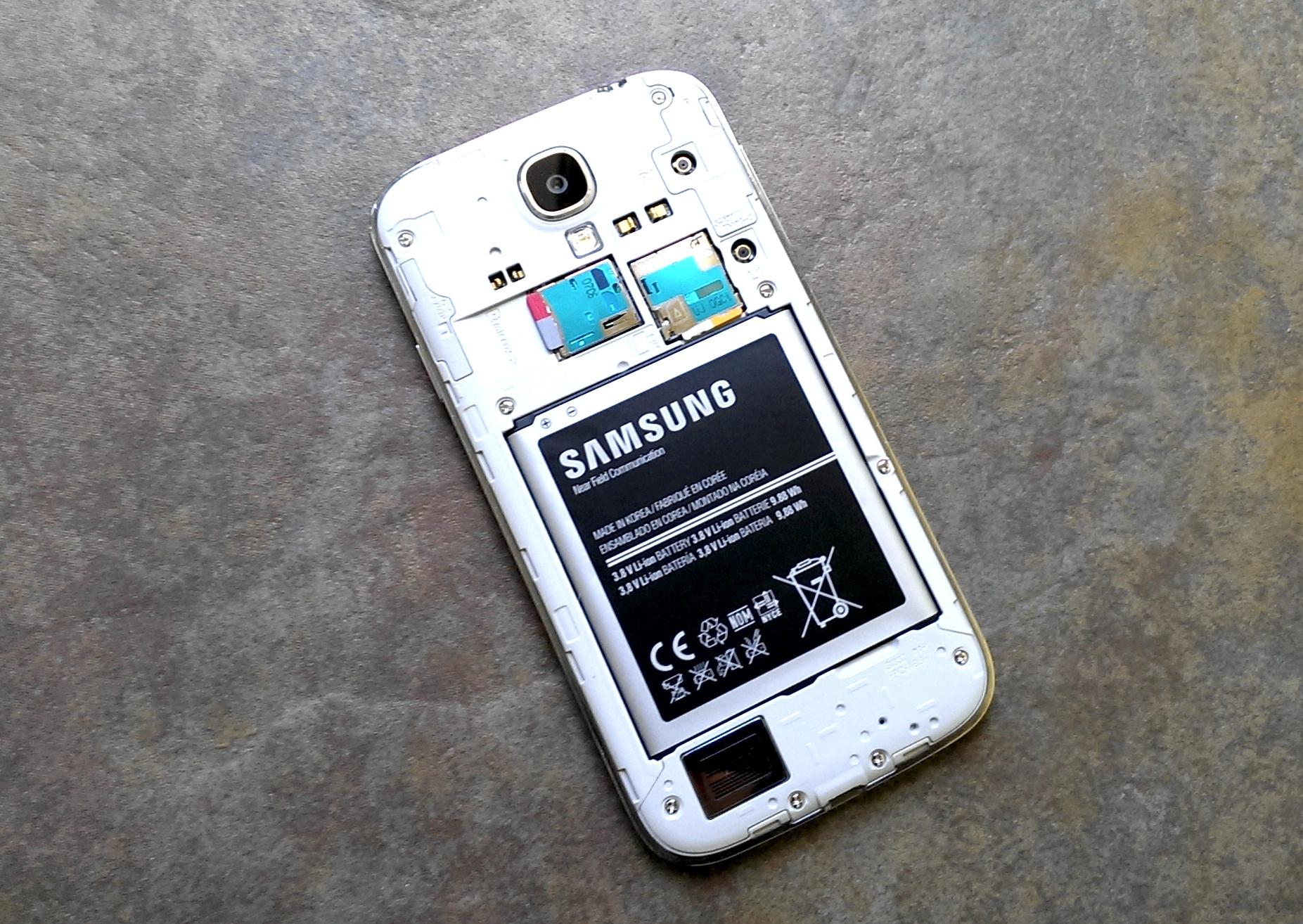 Samsung-Galaxy-S4-Micro-SD-Card-Worthless
