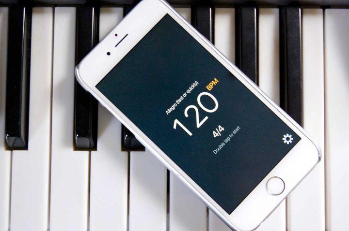 Taptronome är en iPhone-metronomapp som fungerar med en hand och är också VoiceOver-kompatibel.