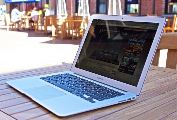 MacBook-Air-vs-MacBook-pro-Retina-2013-solljus-620x422