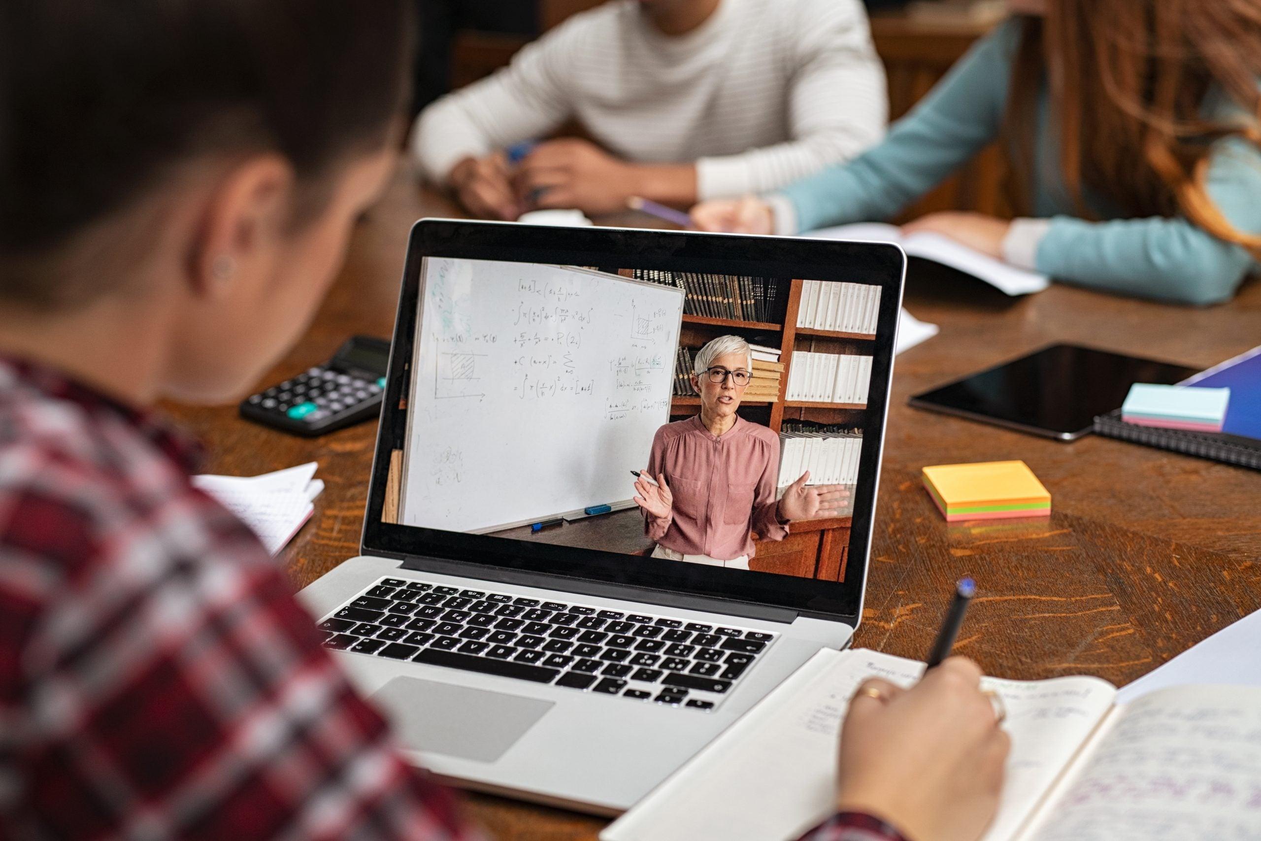 Bästa studentbärbar dator: Topp 10 studentböcker och konvertibler