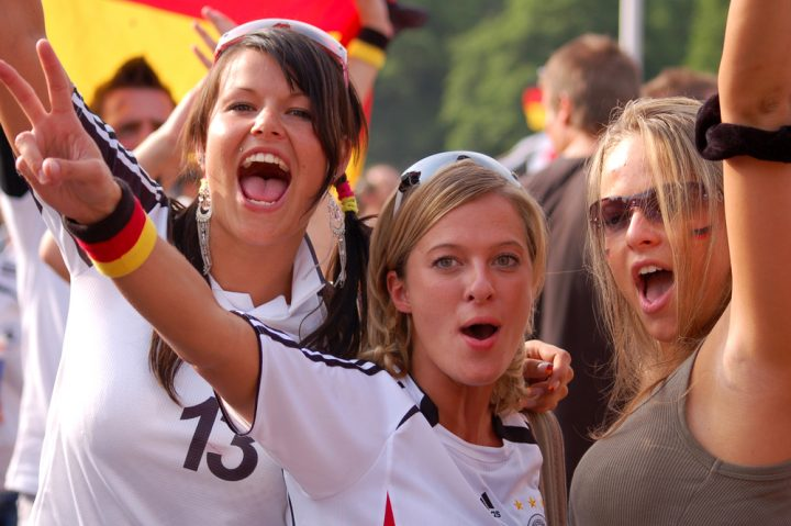 Hur man tittar på VM för kvinnor 2015 live på iPhone, iPad och Cyril Hou / Shutterstock.com