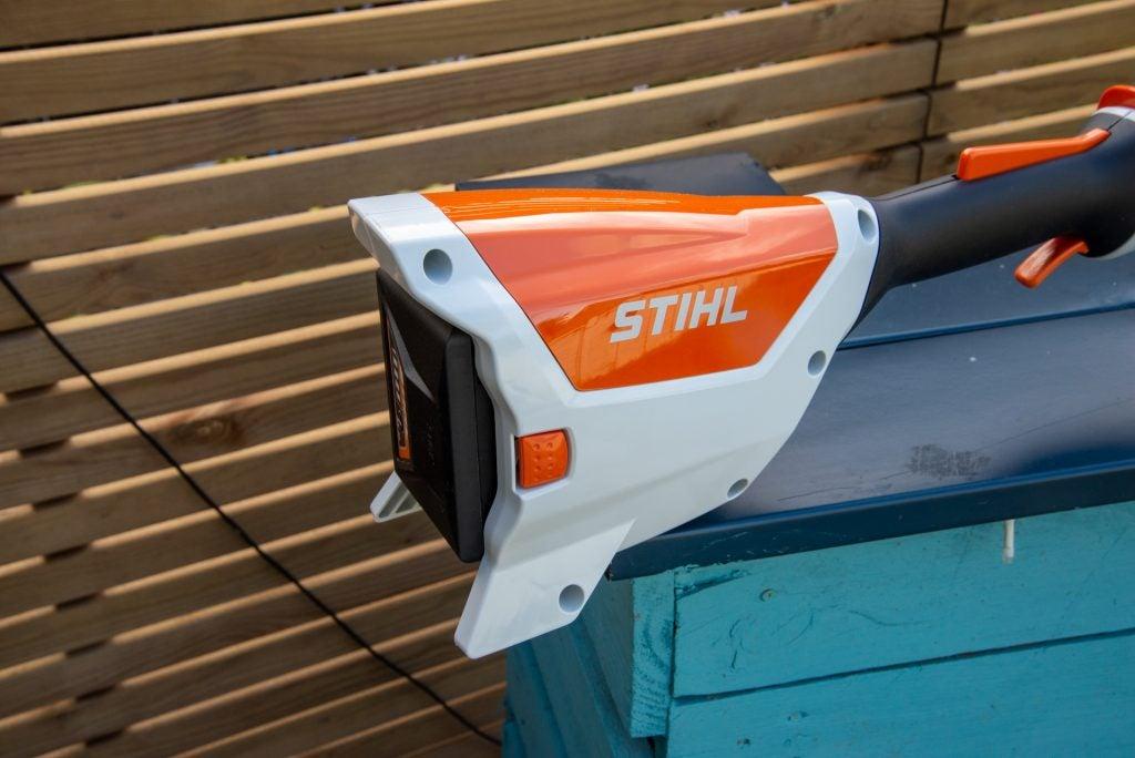 Stihl FSA 57 Trådlöst grästrimmerbatteri i säkerhetsläge