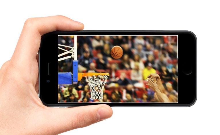 Matt Bonner skyller på iPhone 6 med en större skärm för sina skytteproblem.