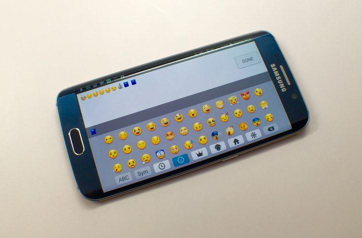 Så här kan du använda Galaxy S6 Edge och Galaxy S6 Emoji-tangentbordet.