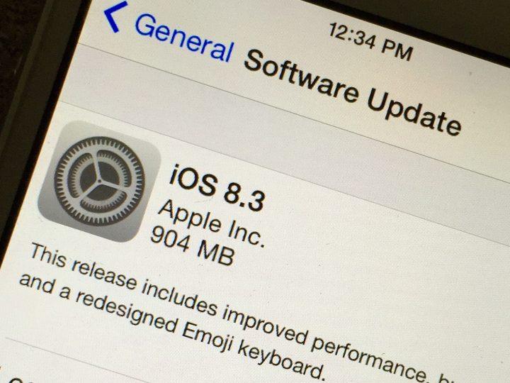 Läs användaren iPhone 4s iOS 8.3 recensioner för att avgöra om du ska installera den.