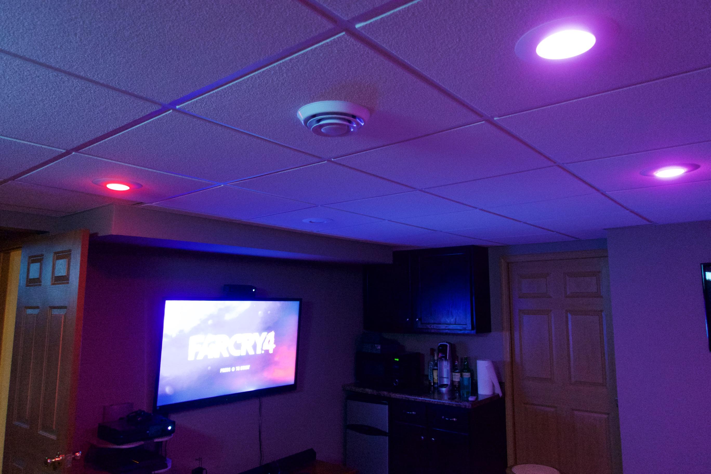 Med ett tryck är mitt mediarum klart för spel tack vare Harmony Ultimate Home-systemet.