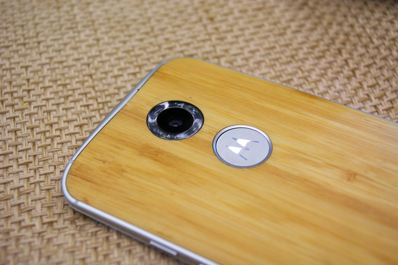 Nya Moto X har en dubbel LED -ringblixt.