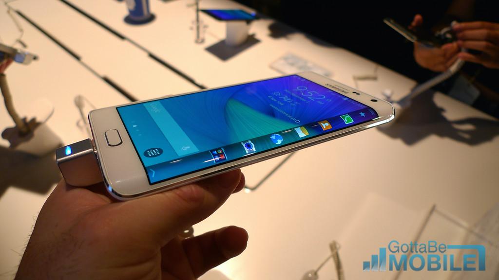 Samsung Galaxy Note Edge Photos 8