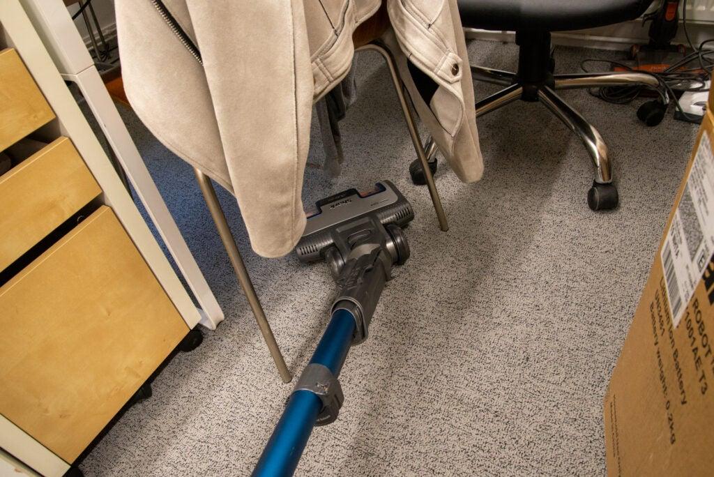 Shark Anti Hair Wrap Upright Dammsugare med Powered Lift-Away och TruePet NZ850UKT rengöring under stol