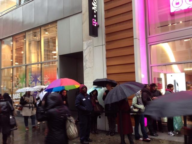 Linjer för T-Mobile iPhone 5 i New York City på lanseringsdagen.