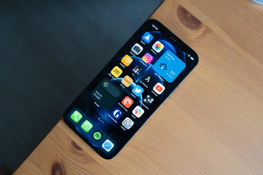 iPhone 12 Pro bord