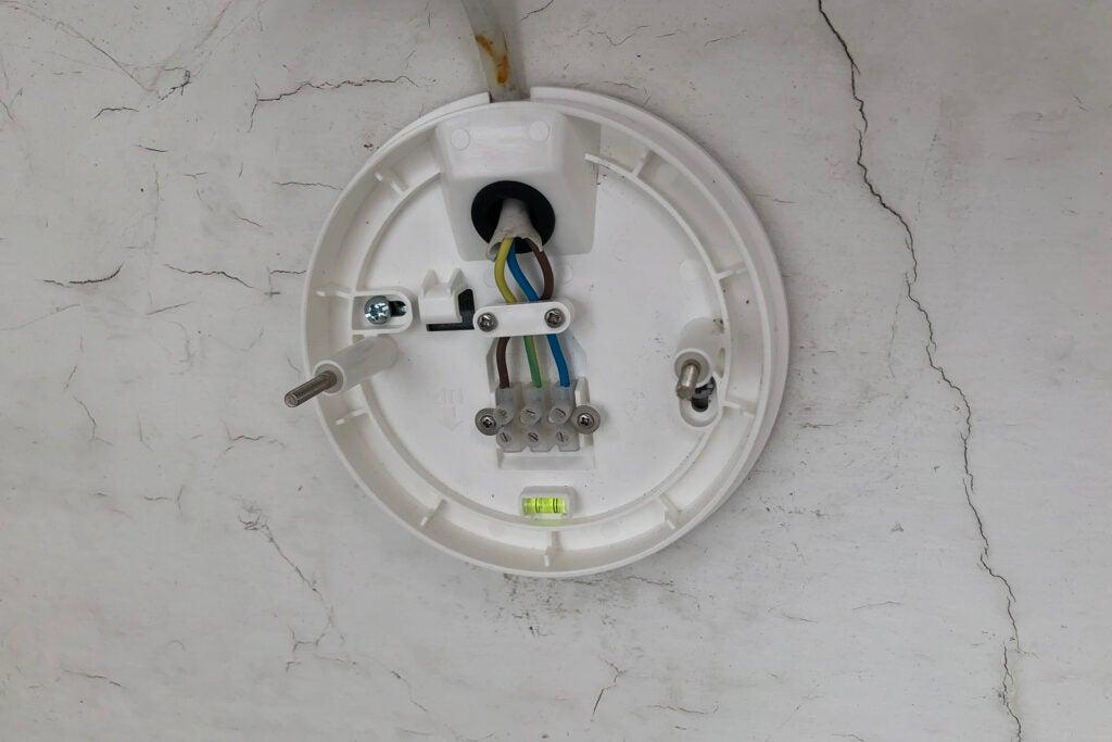 Ring Floodlight Cam Wired Plus fäste