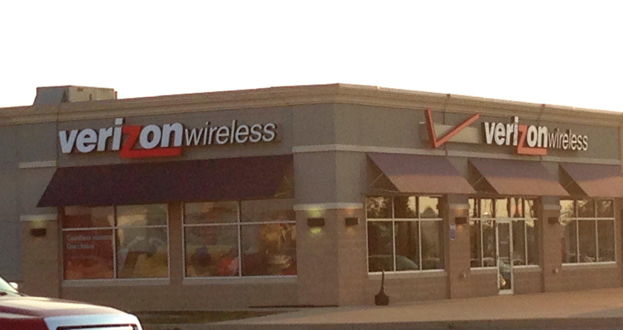 Verizon-butiker kommer sannolikt att få sällskap av AT&T, Sprint och T-Mobile-butiker.