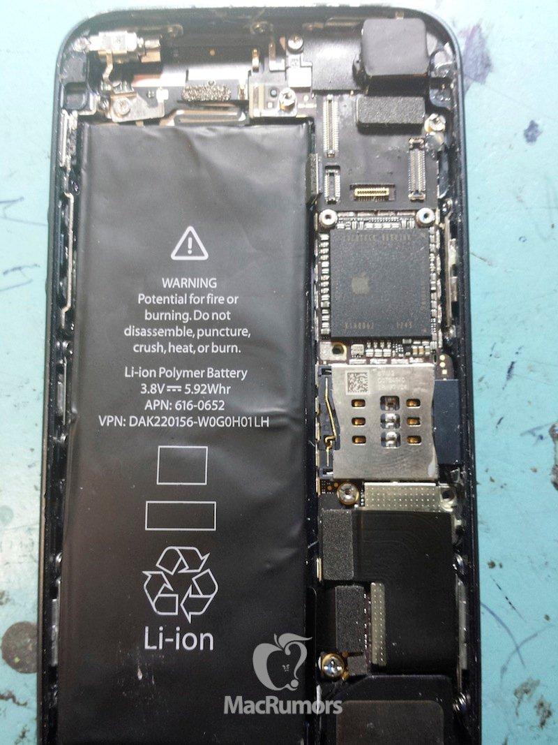 Ett påstått iPhone 5S -foto visar ett större batteri som ger mer ström.