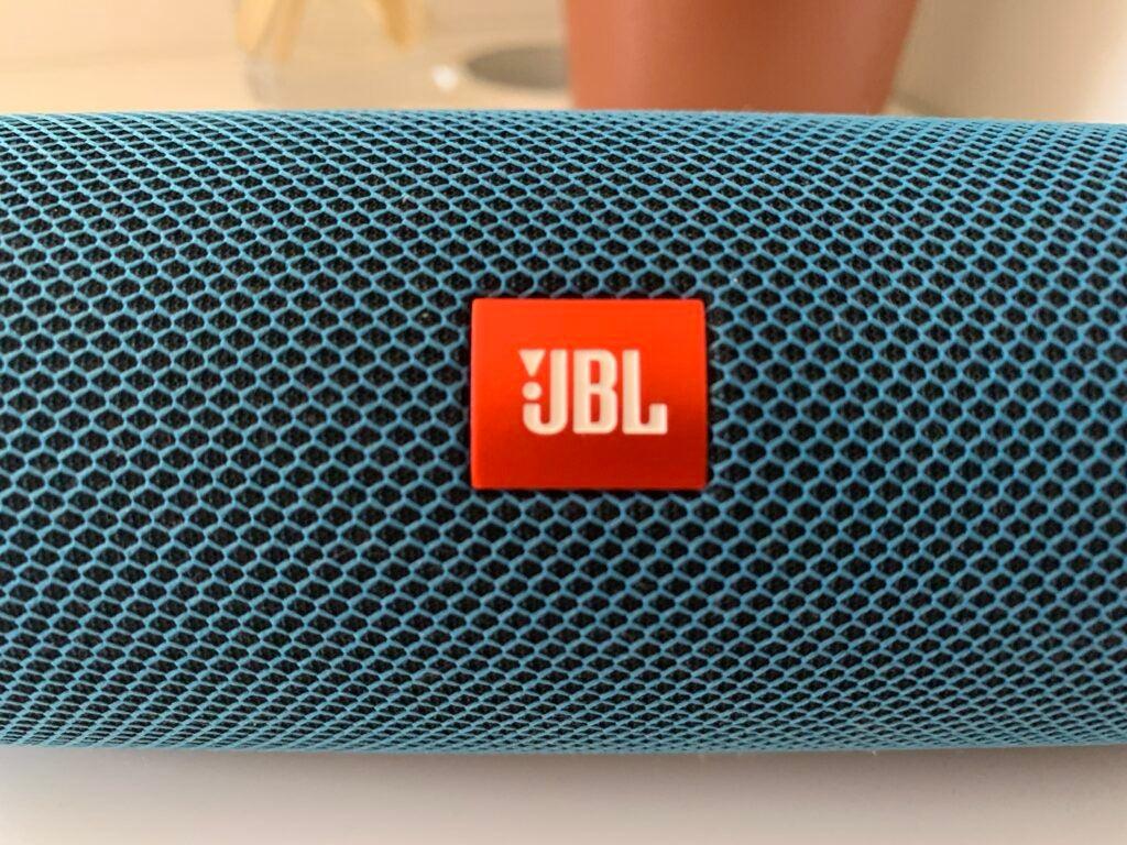 JBL Flip 5 på nära håll