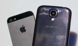 Samsung Galaxy S4 vs iPhone 5 - Strid om den bästa smarttelefonen.